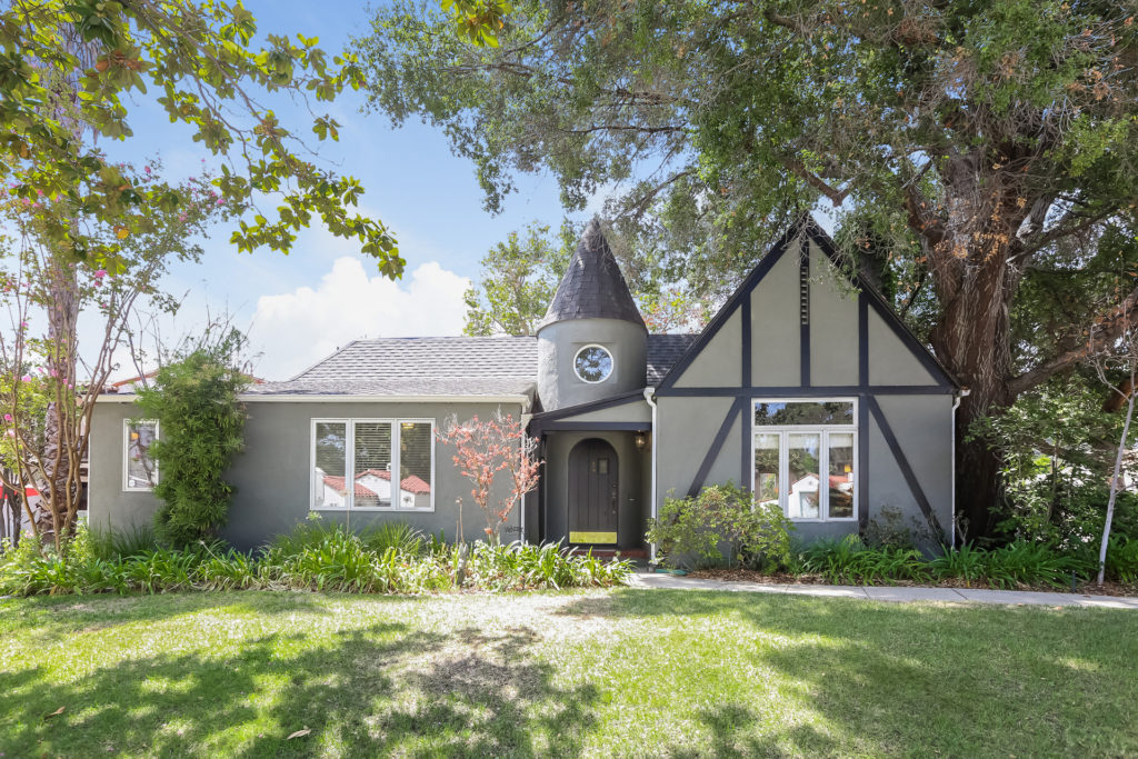 Just Listed! 3 Bedrooms 2 Bathrooms Tudor Style Home with a Guesthouse